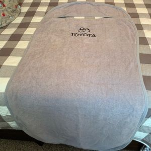 Toyota Seat Towels (Pair) in VGUC